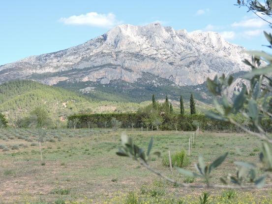 SF0830Aix64.Mount_Saint-Victoire2.JPG
