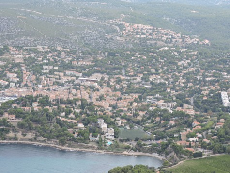 SF0865Aix99.Cassis_from_above.JPG