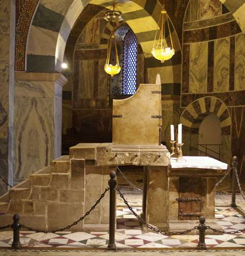 Charlemagne-Throne-Palatine-Chapel